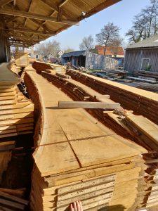 Nieuw hout bij de houthandel